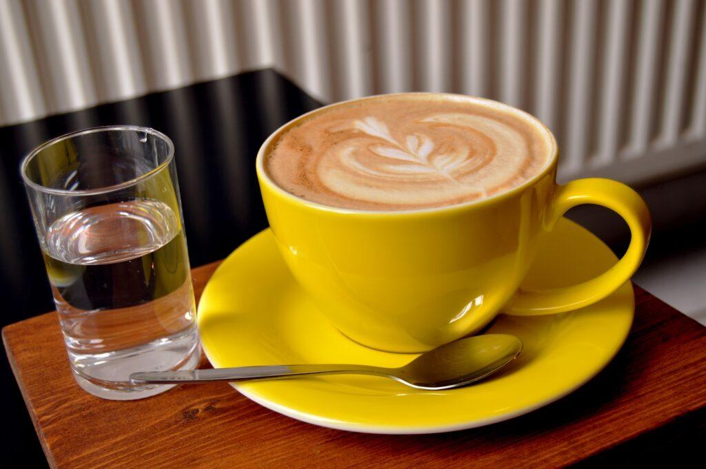 Káva s vodou
